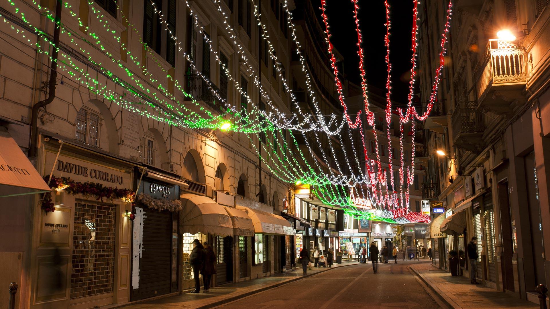 Tetto Italia led luminarie spazi urbani guagliata Genova